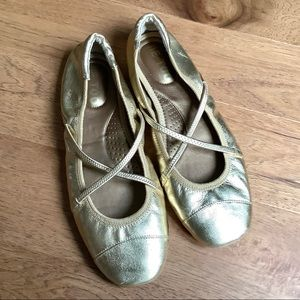 ME TOO GOLD  LEATHER BALLET FLATS-NWOT